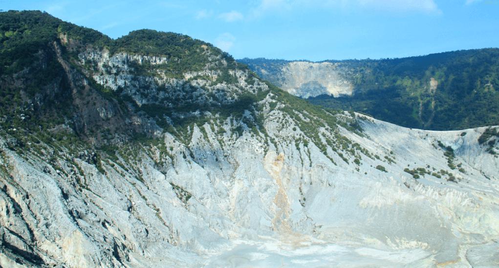 Tangkuban Perahu - Pemandangan Gunung Tangkuban Perahu