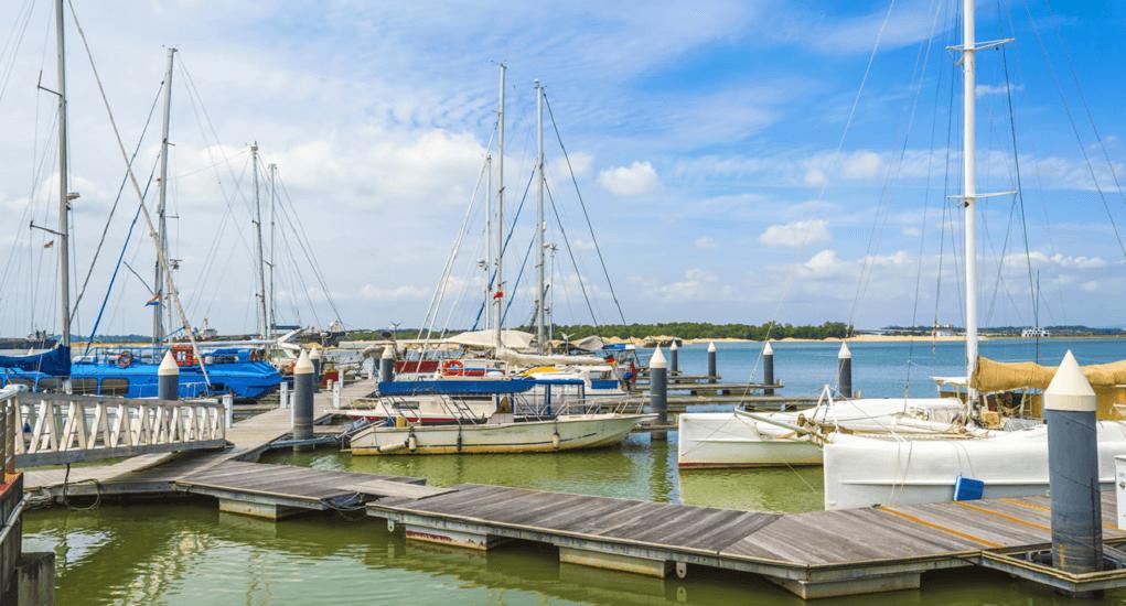Teluk Danga - Fasilitas dan Atraksi Wisata yang Ada di Teluk Danga