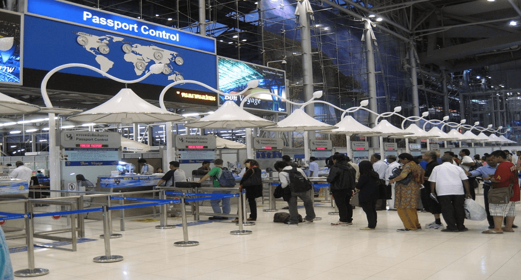 Terminal Bandara Suvarnabhumi - Pemeriksaan Imigrasi