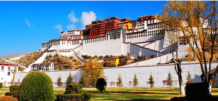 the-potala-palace-in-tibet-china