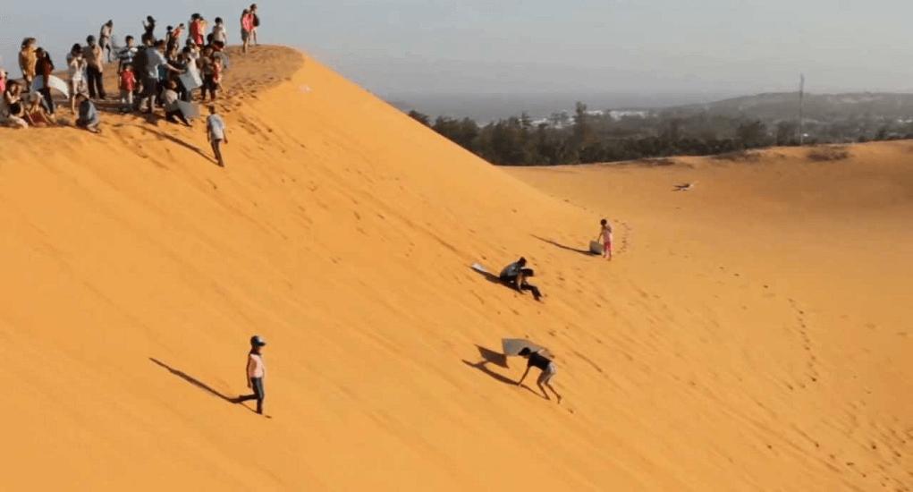 Vietnam - Mui Ne Sandboarding