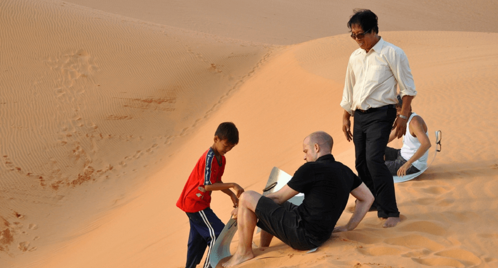 Vietnam - Sandboarding