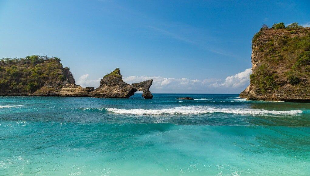 gambar pantai atuh
