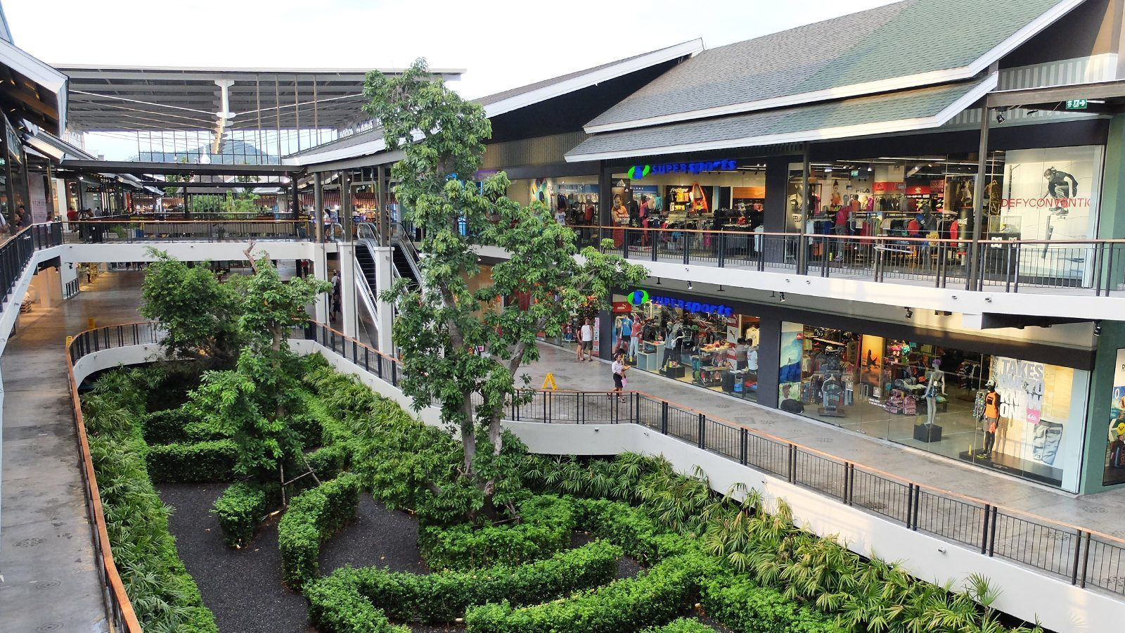 chaweng shopping mall - factory outlets in a mall