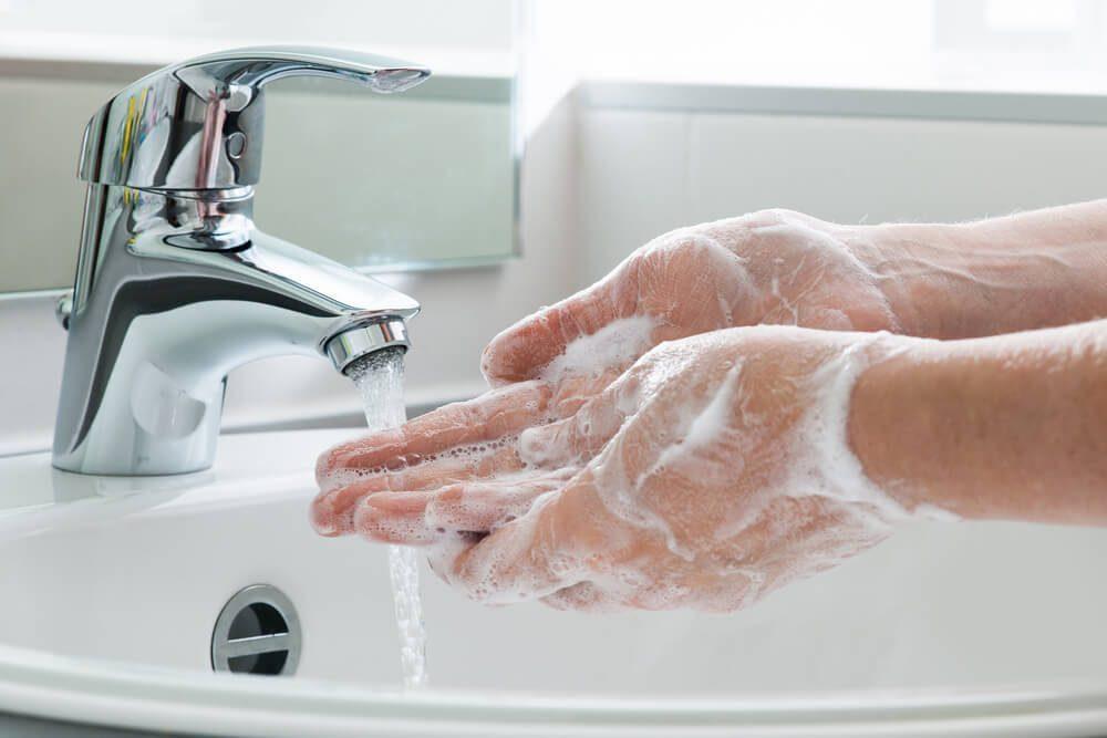 cuci tangan sampai bersih