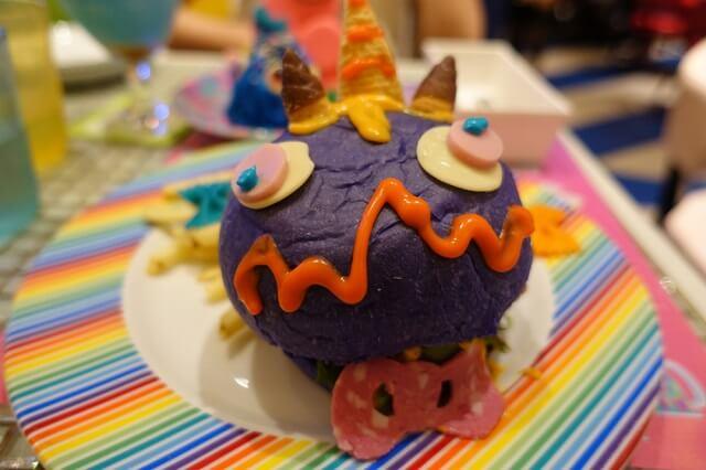 cafe kawaii monster