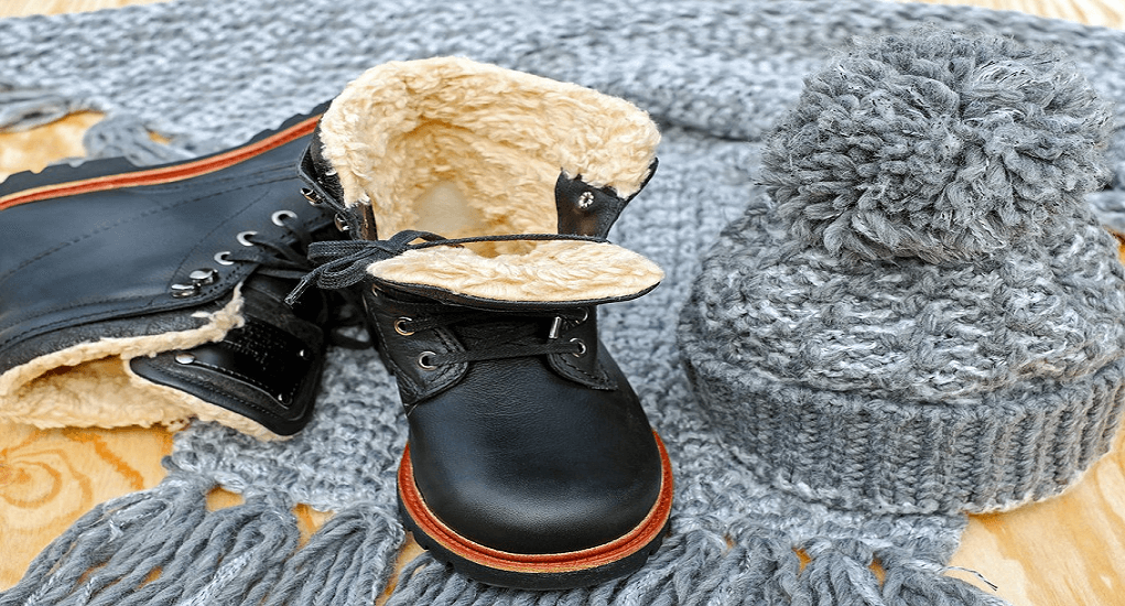 Korea Travel - The Fashion Accessories in winter