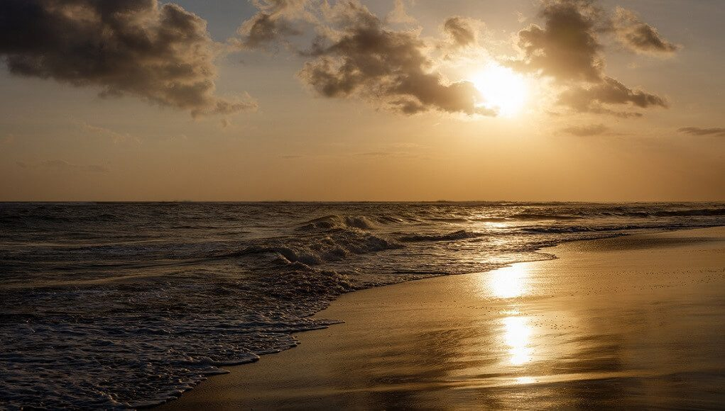 gambar pantai bingin