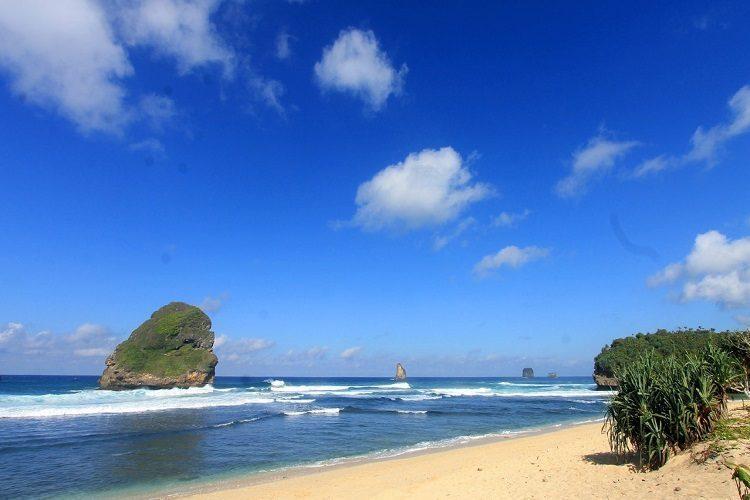 Pantai Goa Cina Airpaz Blog Tips Liburan Dan Informasi Tempat Wisata Terlengkap