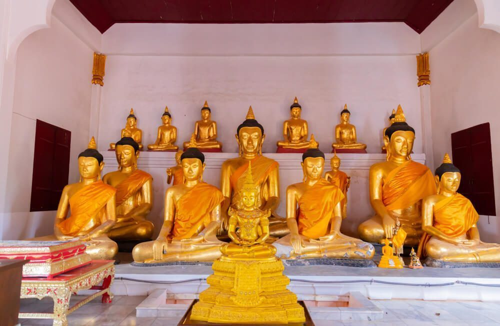 phra chai ya buddha statue