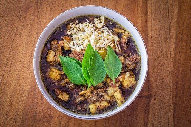 rawon kuliner khas surabaya