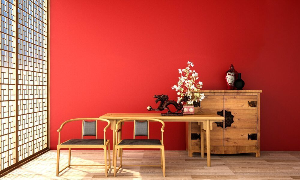 red color decors