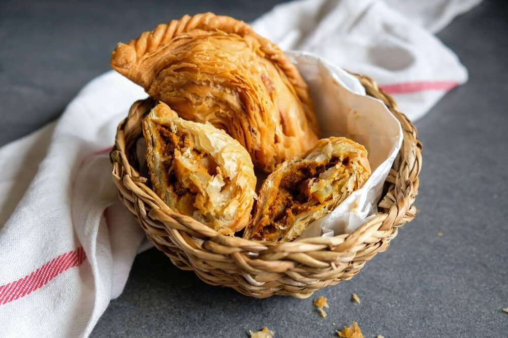 Famous Crispy Curry Puff