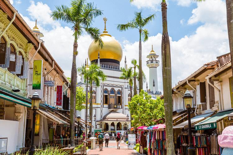 Mengunjungi Masjid Sultan, Terbesar dan Tertua di Singapura ...