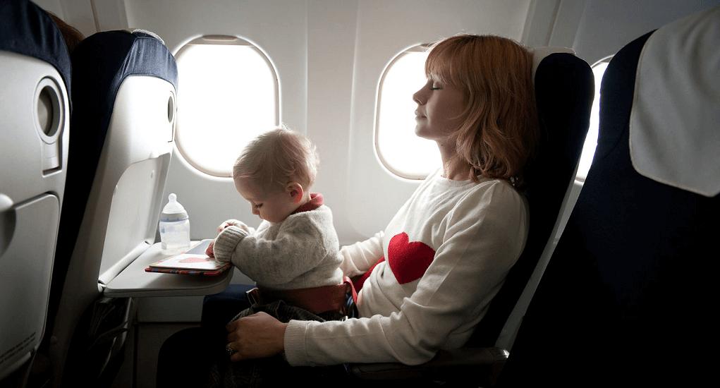 tiket pesawat bayi - Usia Minimum Bayi Diperbolehkan Terbang