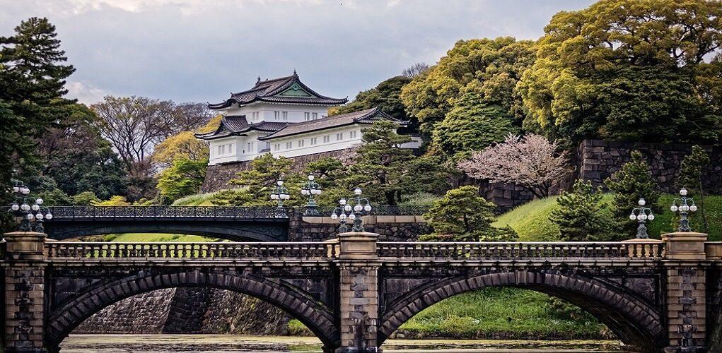 เสน่ห์ที่ไม่เหมือนใครของพระราชวังอิมพีเรียลโตเกียว – และวิธีการสำรวจสถานที่  | Airpaz Blog
