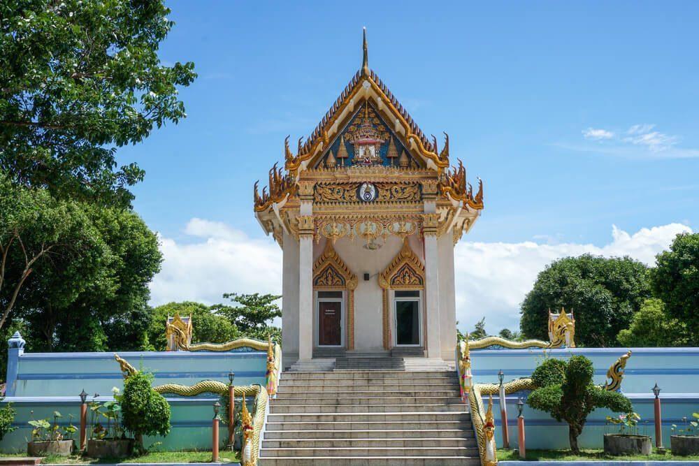 tourist spots - wat khunaram temple